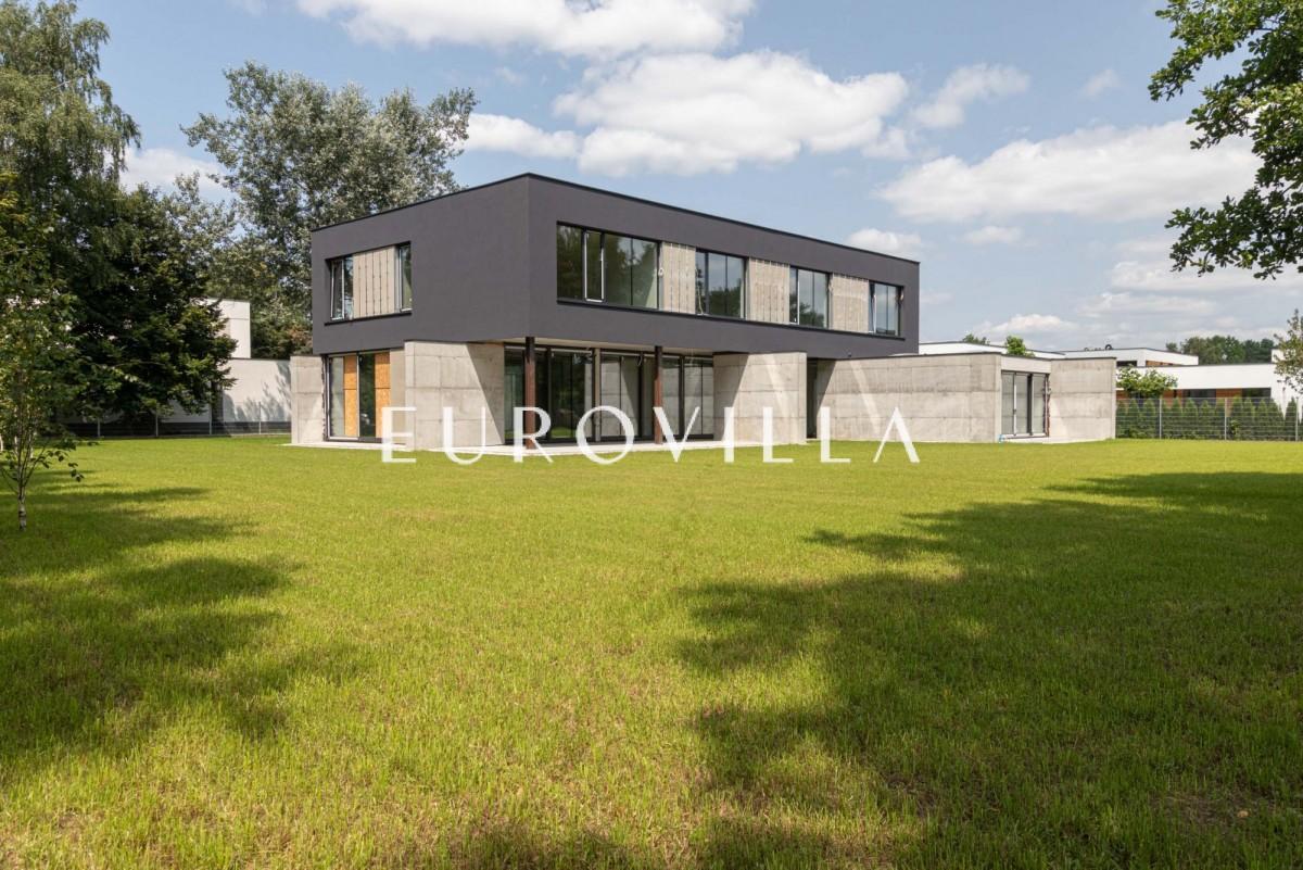 MODERN HOUSE -piękna działka 2300m2