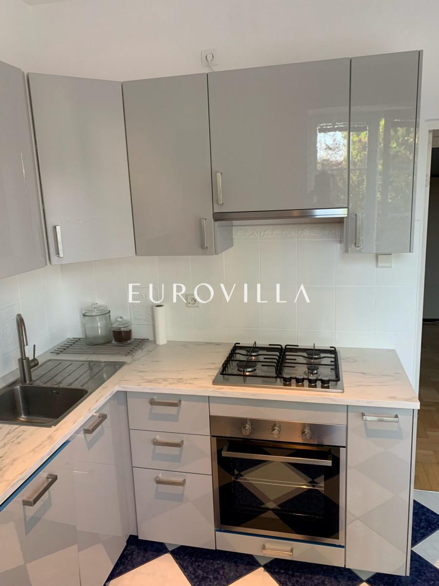 Reprezentacyjne Biuro Dla Firmy Eurovilla