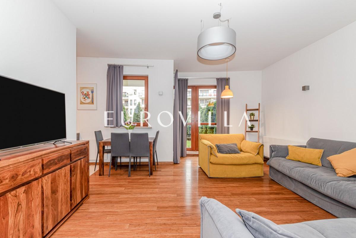 elegancki apartament z tarasem i ogrodem